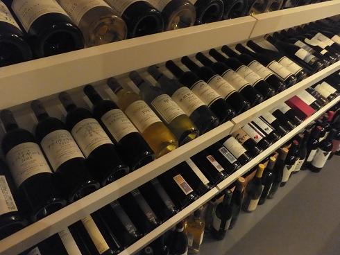 国産ワインばかりのワインセラー